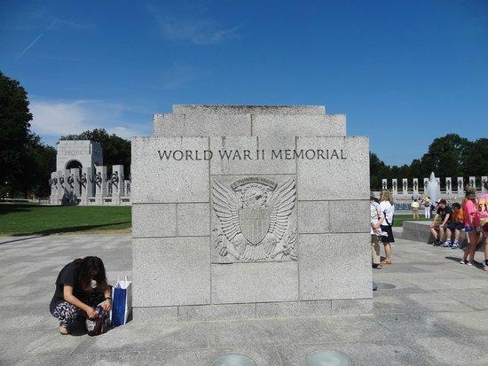 National World War II Memorial: WW II Memorial.