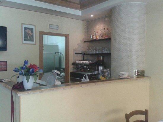 Angolo bar foto di come a casa tua roma tripadvisor for Angolo bar in casa