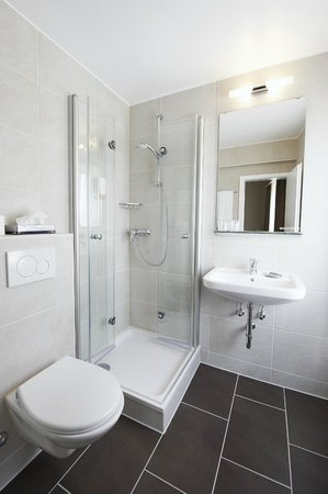 Hotel Neufeld : Bad / Bath room