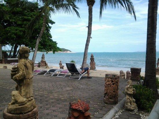 Rajapruek Samui Resort: ริมหาด