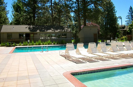 WorldMark Bend - Seventh Mountain Resort : Seventh Mountain Resort Pool Area
