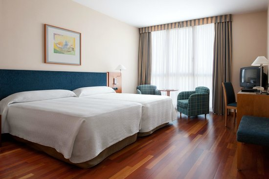 NH Cornella : ROOM