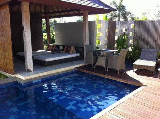 Water Edge Villa: coin repos