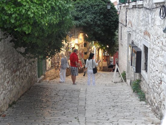 Amarin Studio and Apartments: street in rovinj town