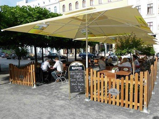 "AKZENT Stadthotel ""Am Goldenen Strauss"": Biergarten mai bis September"