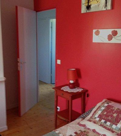 Manoir de Guetteville : Un couloir dessert la chambre, la salle de bains et les w-c