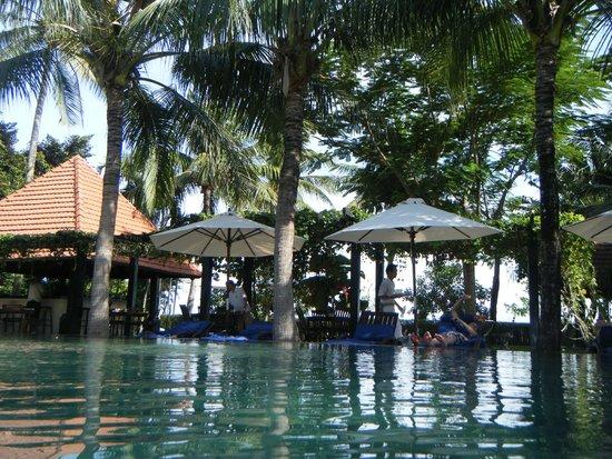 Anantara Hoi An Resort: pool area