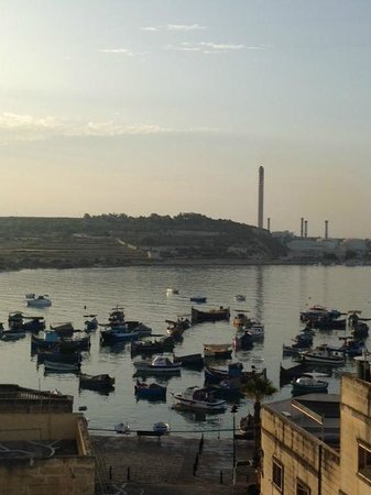 Port View Guesthouse: Early Morning View of Harbour from Roof Terrace