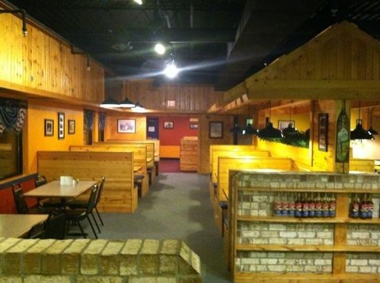 Hocking Hills Diner: very clean inside!