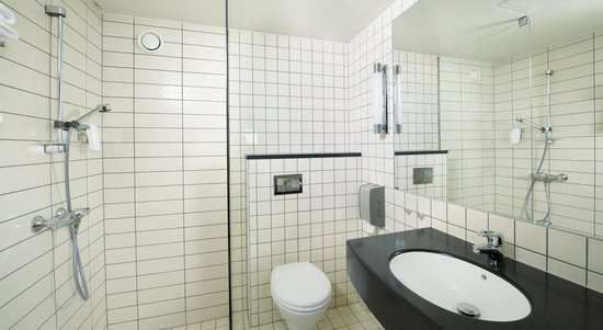 Quality Airport Hotel Vaernes: Baderom
