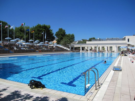Atahotel Naxos Beach : Olympia poolen