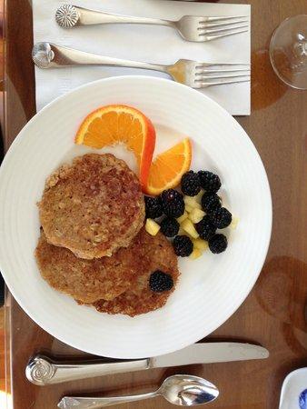 Liberty Hill Inn: wholemeal  berry oatcakes