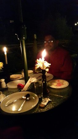 The Holiday Resorts Cottages & Spa: Candle light dinner