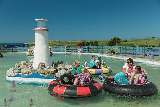 Holywell Bay Fun Park: Blaster Boats