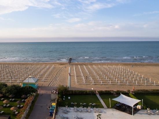 Adriatic Palace Hotel: Aussicht vom 6. Stock