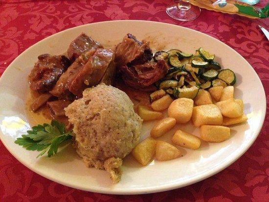 Ristoro Fopel: costine vitello, polenta e verdure