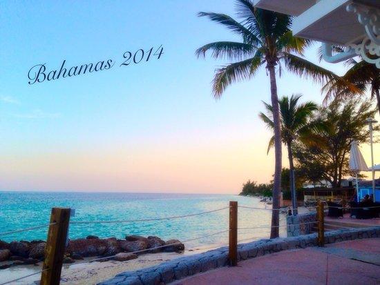 Memories Grand Bahama Beach and Casino Resort : Sunset