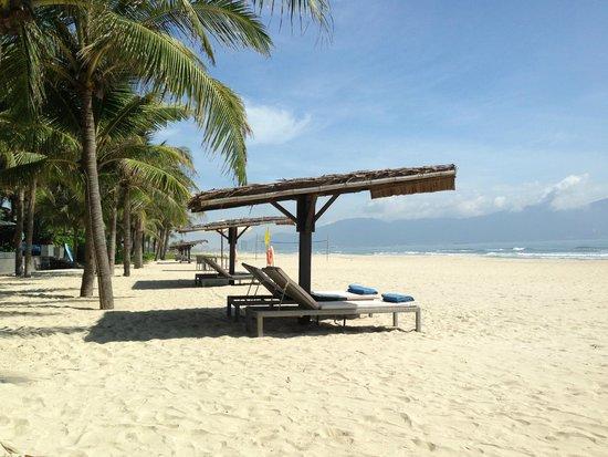 Fusion Maia Da Nang : beautifully clean wide beach
