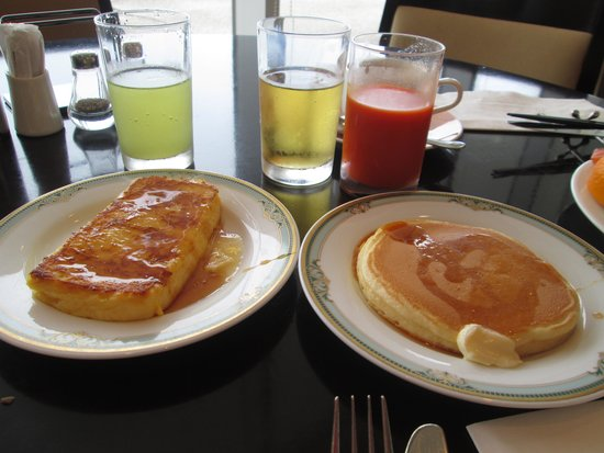 Kobe Meriken Park Oriental Hotel: Famous french toast and pancakes