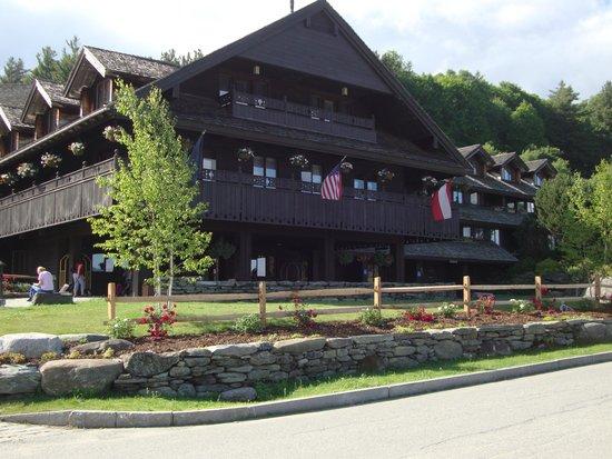 Trapp Family Lodge : Main entrance.