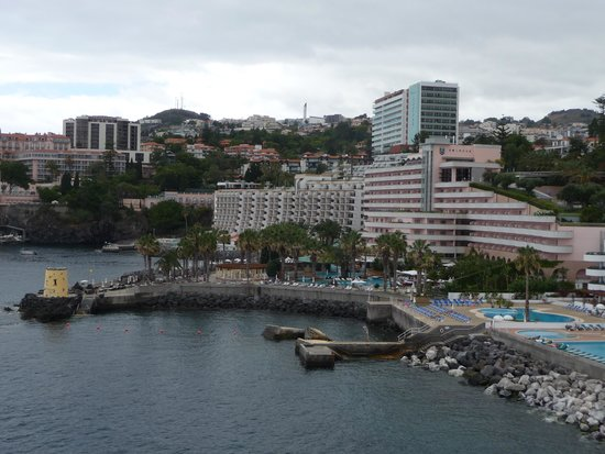 Royal Savoy Hotel : View of Royal Savoy from Forte Sao Jose