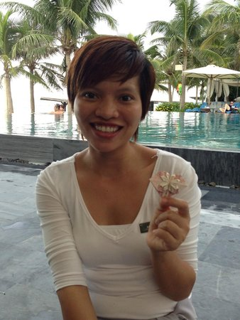 Fusion Maia Da Nang : one of the staff made me a flower from a bank note