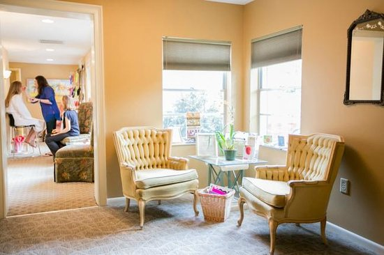 Essential Therapies Garden Spa: Intermission Area