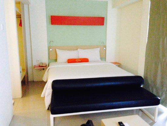 HARRIS Hotel & Residences Sunset Road: kamar double bed yang comfort banget