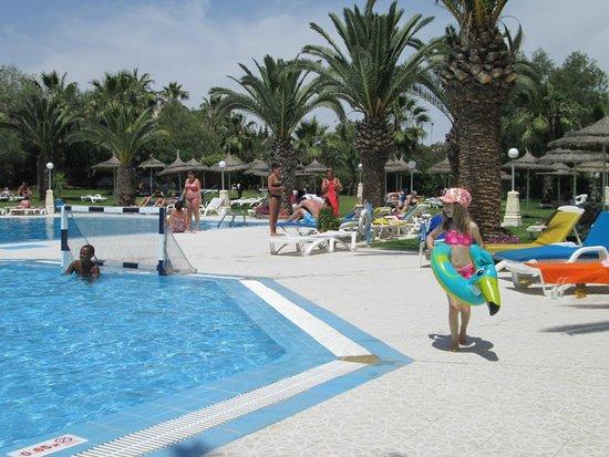 Golf Residence Hotel : basen