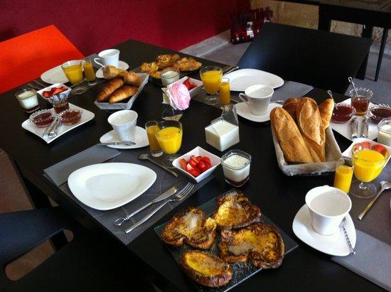Chateau la Mothe du Barry: Petit dejeuner sucré