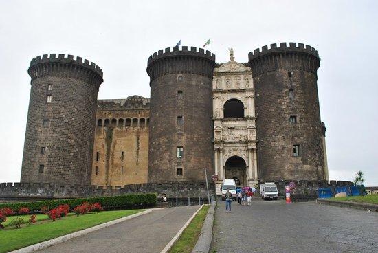 Castel Nuovo - Maschio Angioino : panoramic view all around