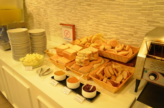 Sunshine Hotel & Residences: food!!