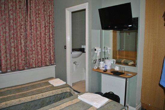 Westbury Hotel Kensington : номер