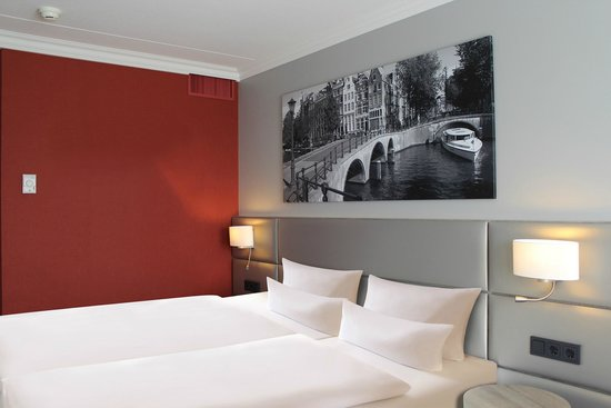 Dorint Airport Hotel Amsterdam: Superior room