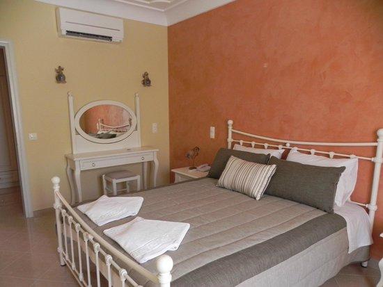 Castro Hotel Kamari: slaapkamer