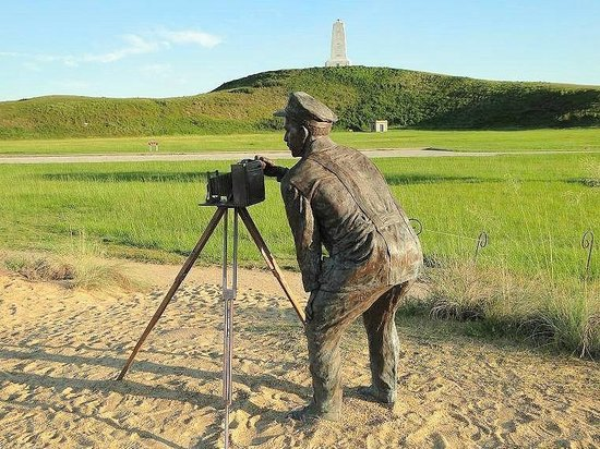 Wright Brothers National Memorial: photographer setting up