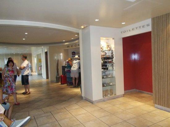 Best Western Le Galice Centre-Ville: в холле отеля