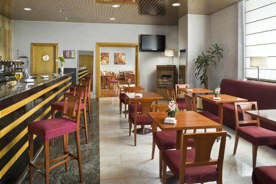 Hesperia Vigo: Bar