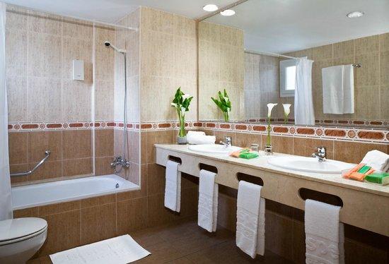 H10 Playas de Mallorca: Bathroom