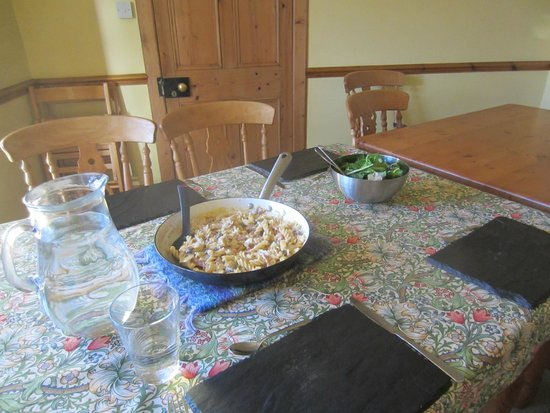 Fraoch Lodge: Dinner is served with the family, £15