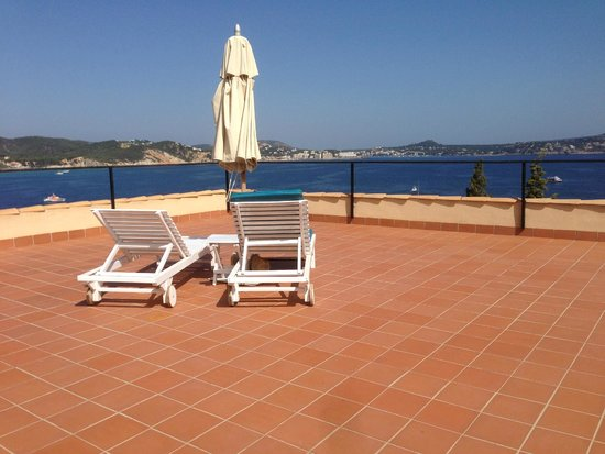 Hotel Petit Cala Fornells: Rooftop terrace