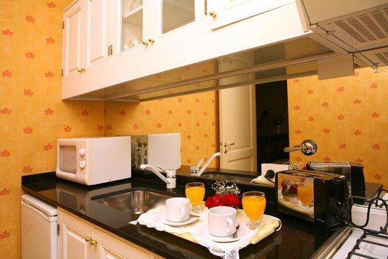 Mayla Apartments: Cocina