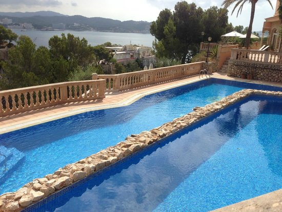 Hotel Petit Cala Fornells: One of the pools
