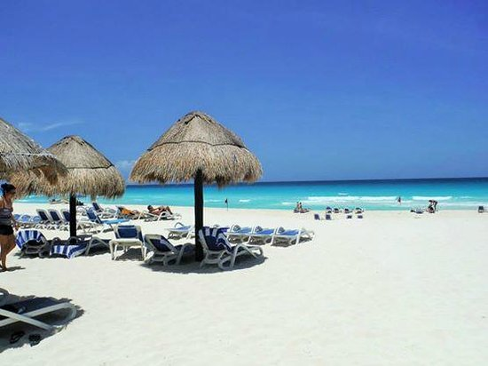 Golden Parnassus All Inclusive Resort & Spa Cancun : Beautiful beach