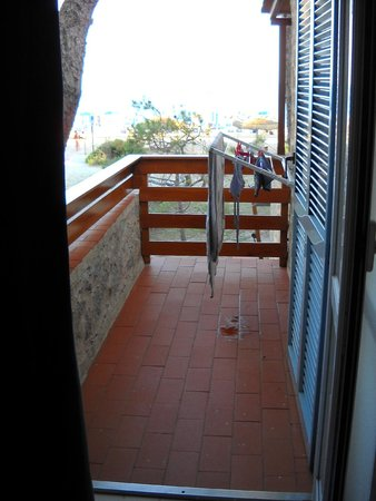 Residence Iselba: balconcino vista mare