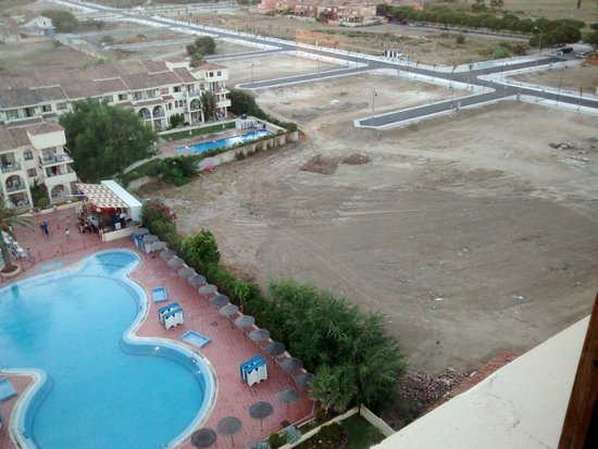 Hotel Puente Real: Building site beside the hotel grounds.