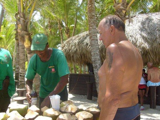 Hotel Riu Palace Macao : noix coco à gogo