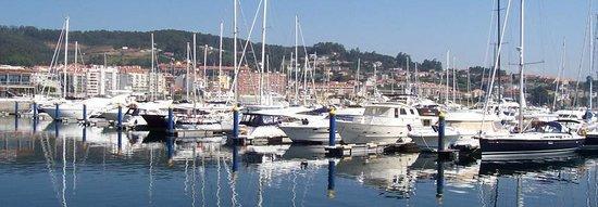 Apartametos Aqualecer: Puerto deportivo de Sanxenxo