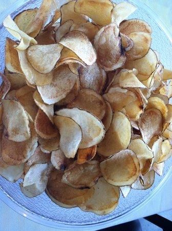Mac's Place: Homemade potato chips