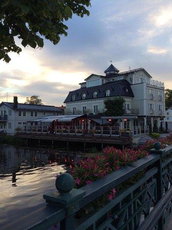 Atellet Hotell: Hotellet på kvällen